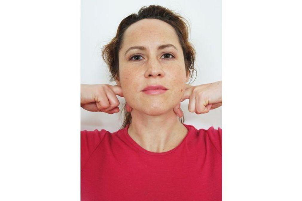 Yoga du visage : 12 exercices pour une relaxation profonde