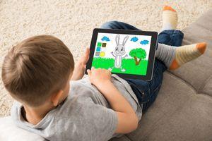 Le temps passé sur les écrans modifie la structure cérébrale de l'enfant