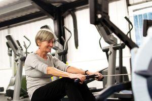 Le bien-être psychologique associé à une activité physique plus importante chez les personnes âgées