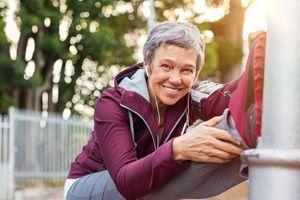 Rester active pendant la ménopause ralentirait la baisse de masse musculaire