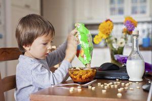 Des carences en fer et en vitamine B12 responsables de troubles du comportement chez les jeunes garçons ?