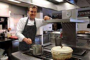 """Cuisine : les 5 meilleurs """"live"""" de chefs pour tenir jusqu'à la fin du confinement"""