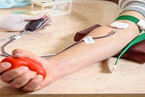 Don du sang : la période d'abstinence imposée aux homosexuels réduite