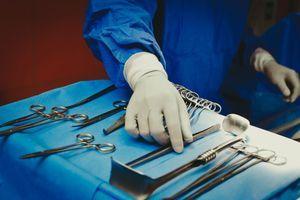 Deux désinfectants utilisés dans le milieu médical rappelés car contaminés par des bactéries