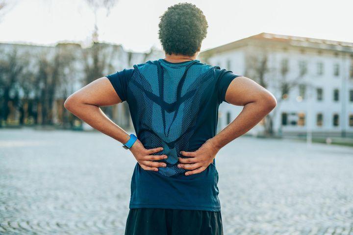 6 postures anti mal de dos à réaliser dans la journée