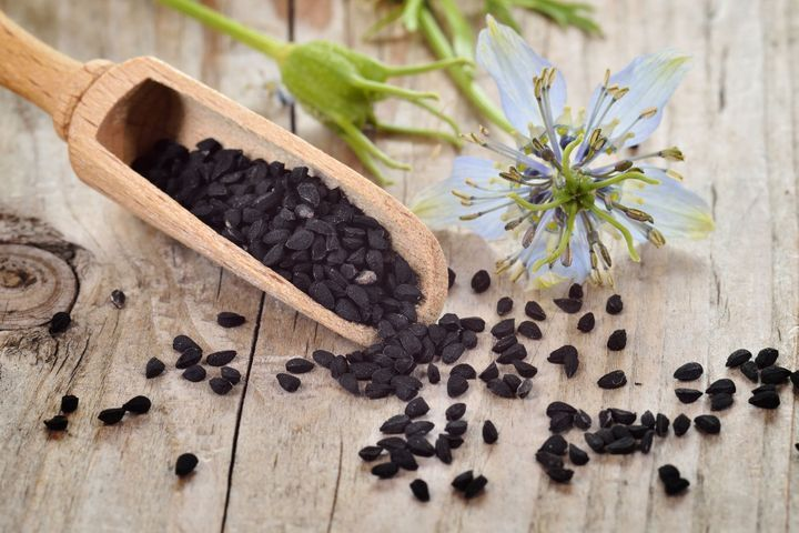 Nigelle (Nigella sativa) : propriétés, bienfaits de cette plante ...