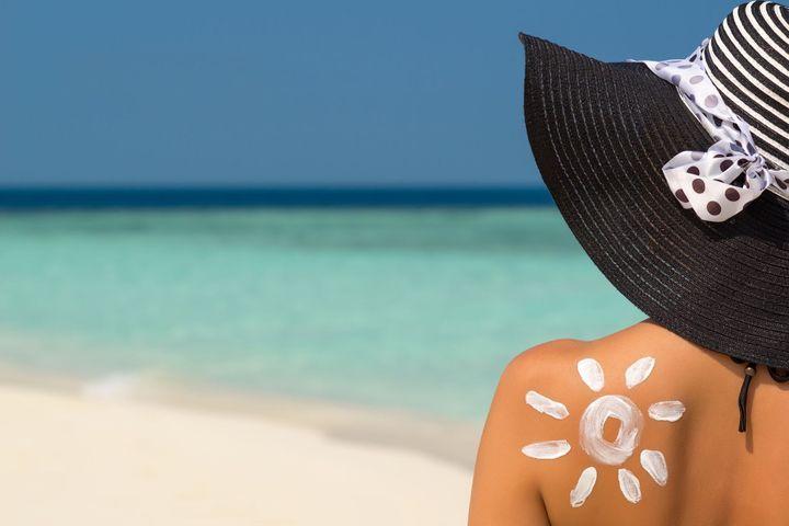 Les erreurs à éviter avec la crème solaire