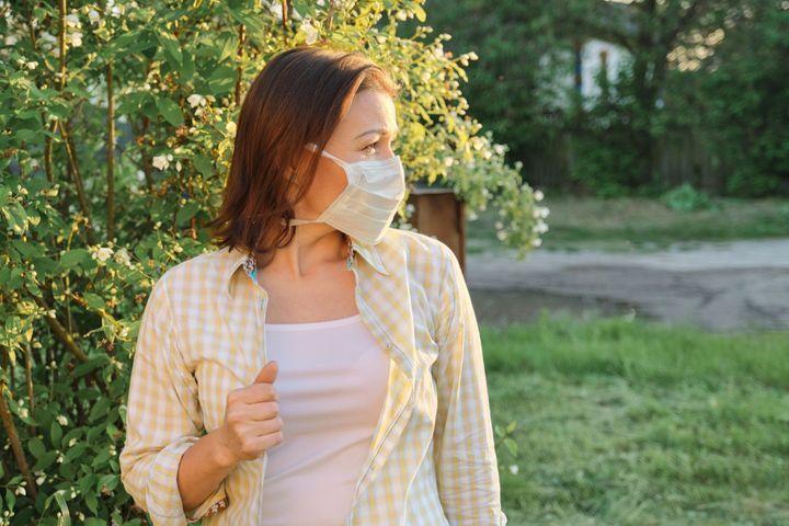 Coronavirus : le retour des beaux jours mettra-t-il fin à l'épidémie ?