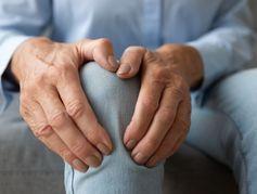 """Ostéoporose : """"Il y a une baisse drastique de la prise en charge en France"""""""