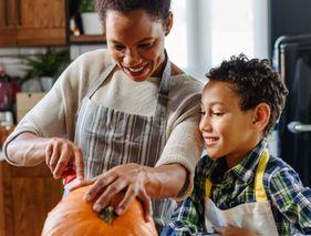 9 idées d'activités pour fêter Halloween à la maison