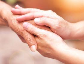Les proches aidants peuvent prendre des congés rémunérés