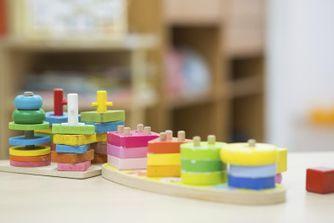Les jeux pour initier les petits à la pédagogie Montessori