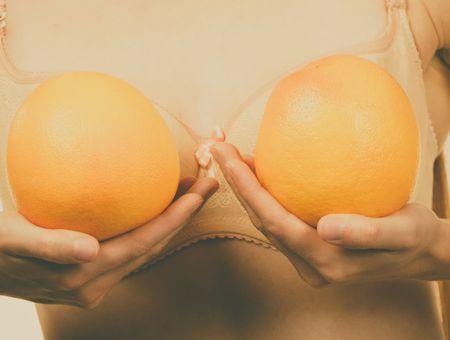 Ptose mammaire : 5 conseils pour éviter les seins qui tombent