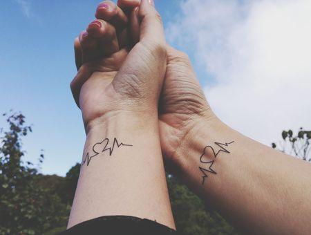 Tatouages de soeurs : 10 inspirations de tatouages en commun