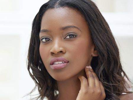 Comment se faire un joli teint quand on a la peau noire ou métisse ?