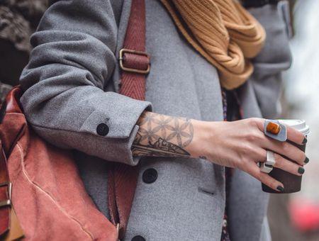 Tatouage poignet : plus de 100 modèles qui nous inspirent