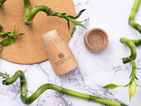 Innovation beauté : et si vous passiez au déodorant en… bois ?