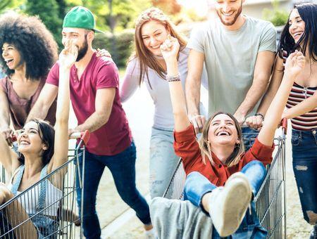 Premières vacances en solo, soirées chez les copains :  comment laisser mon ado prendre de l'autonomie sans angoisser ?