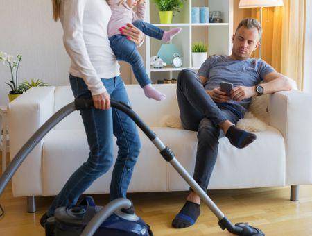 Comment les tâches ménagères sont-elles réparties ?
