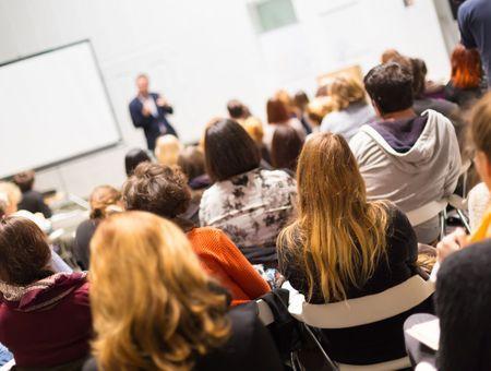 Coronavirus : les universités prônent la suspension des cours en amphithéâtre
