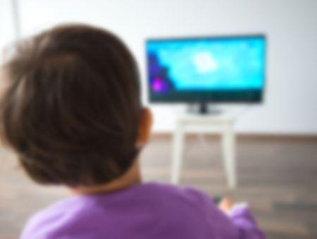 """Enfants et écrans lors du confinement: la crainte des conséquences de """"l'orgie numérique"""""""
