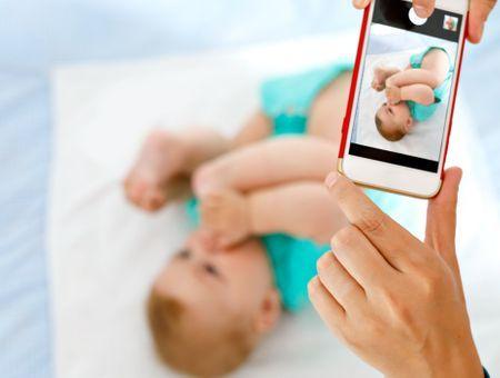 Afficher son enfant sur les réseaux sociaux : quels risques prend-t-on ?