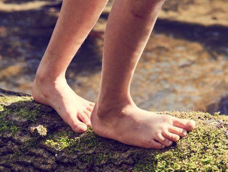 Earthing : marcher pieds nus sur la Terre