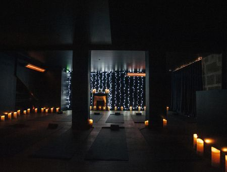 Le Yuj Yoga, le Yoga sous infrarouge