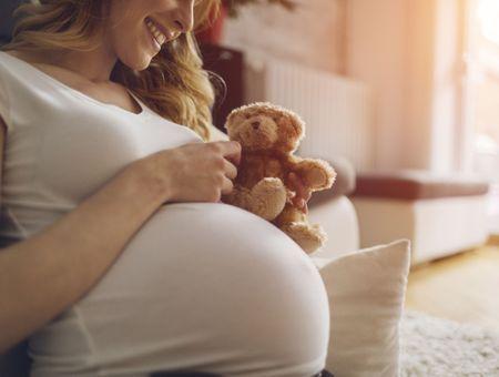 8 mois de grossesse : vous portez fièrement votre bébé !