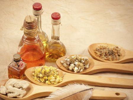 Les huiles essentielles toniques, aphrodisiaques et rééquilibrantes au niveau hormonal
