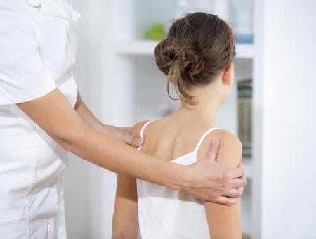 Chiropractie pour enfant : et si vous l'emmeniez chez un chiropracteur ?