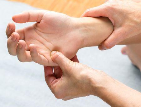 Technique Bowen : une thérapie douce basée sur l'auto-guérison