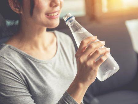10 astuces pour boire suffisamment au quotidien