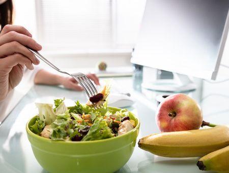 La pause-déjeuner, un moment pas toujours simple à l'ère du Covid-19