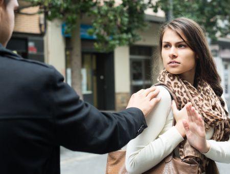 Insultes dans la rue : la bonne attitude pour répondre