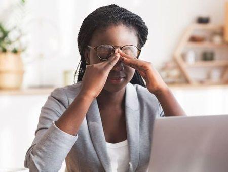 Télétravail : des salariés surchargés et épuisés, spécialement chez la Gen Z