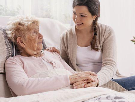 Maladie d'Alzheimer et maintien à domicile
