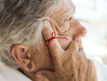 Les symptômes et signes de la maladie d'Alzheimer