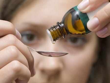 Utilisation des huiles essentielles par voie interne (gouttes, suppositoires)