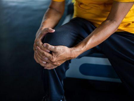 Blessure du ligament croisé antérieur du genou : causes, symptômes et traitement