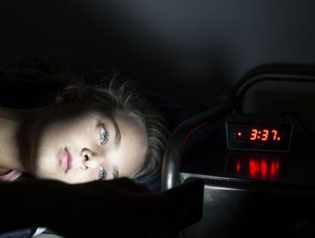 Troubles du sommeil : causes, symptômes et traitements