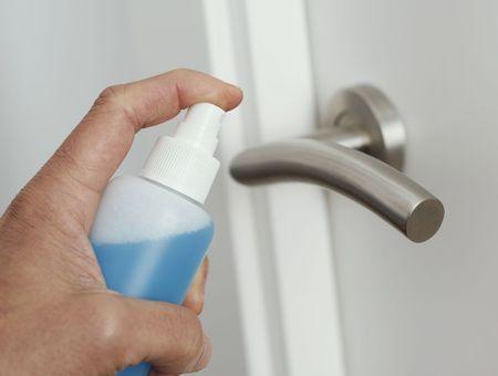 Coronavirus : comment nettoyer les surfaces contaminées