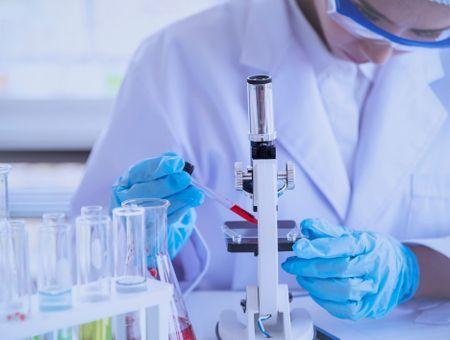 Vaccin AstraZeneca/Oxford contre le Covid-19 : efficacité, méthode, risques