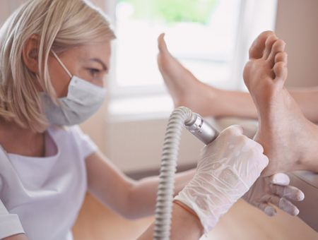 Pédicure-podologue : quels problèmes de santé prend-il en charge ?