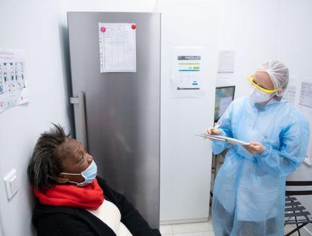 Coronavirus : les tests rapides font déjà leurs preuves en pharmacie
