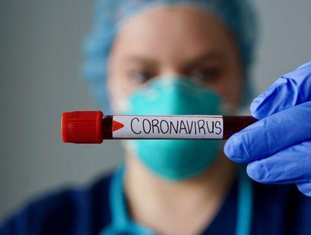 Coronavirus : plus de 50 000 soignants contaminés en France