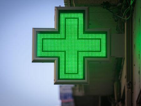 Covid-19: la vente d'autotests en pharmacie autorisée par arrêté