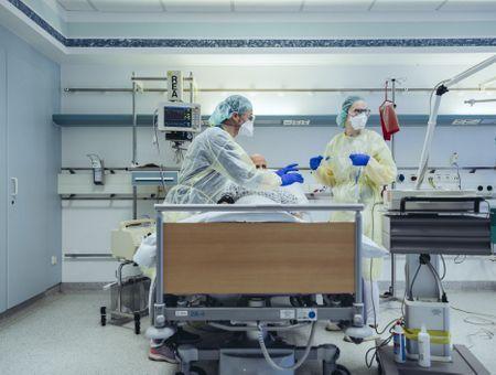 Covid-19 : les chiffres d'hospitalisation et réanimation toujours en hausse