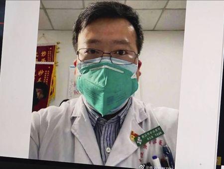 Li Wenliang, le médecin lanceur d'alerte sur le coronavirus, est décédé
