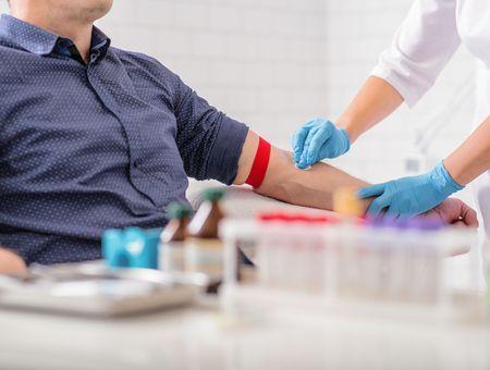 Pandémie : Roche espère lancer un test sérologique début mai